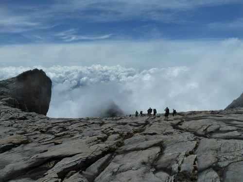 Mount Kinabalu_Kotal Route group dropping off plateau.jpg