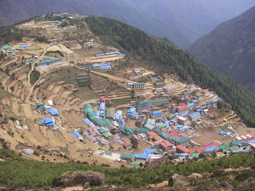 Nepal_Everest base camp Namche Bazaar.JPG
