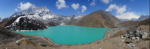 Gokyo Lakes trek and village.jpg