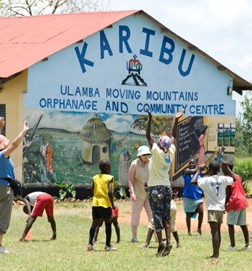 Moving Mountains - Volunteering in Kenya