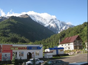 elbrus south food and accommodation.jpg
