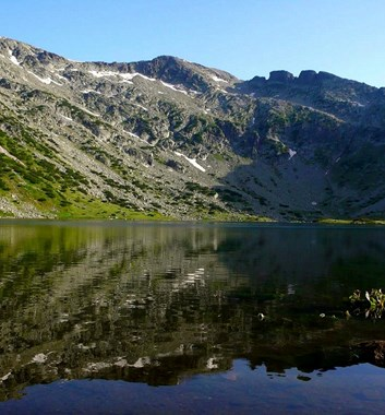 Summits and Ridges of Bugaria - Central Rila Lake