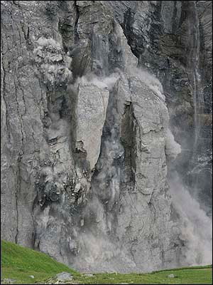 rockfall on the eiger.jpg